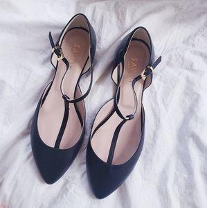 NWT beautiful Italian Leather t-strap ankle flats